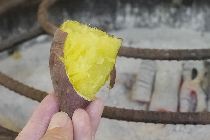 山の寺 邑居(南島原市深江町)の石焼き芋