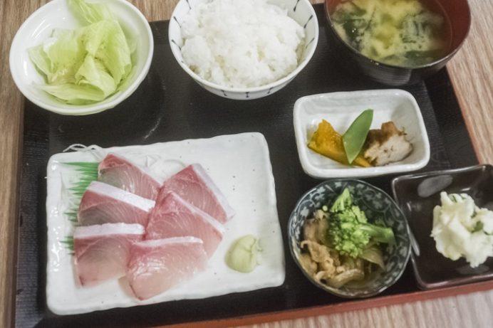 浜康(濱中水産)、長崎市新大工町のヒラス刺身定食