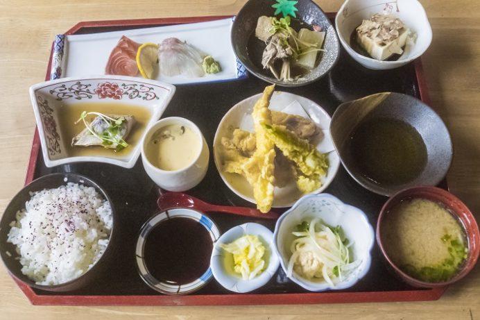 お食事処 大潮(諫早市)のごっつ定食