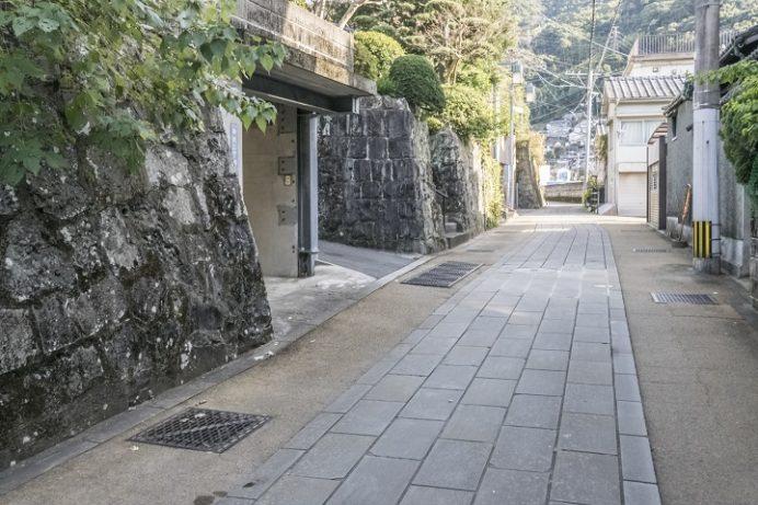 長崎街道の食違(新大工の中川八幡神社)