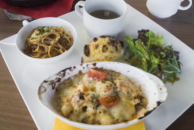 水辺の森のワイナリーレストラン OPENERS(オープナーズ)、長崎県長崎市常盤町長崎水辺の森公園)の海鮮ドリアプレート