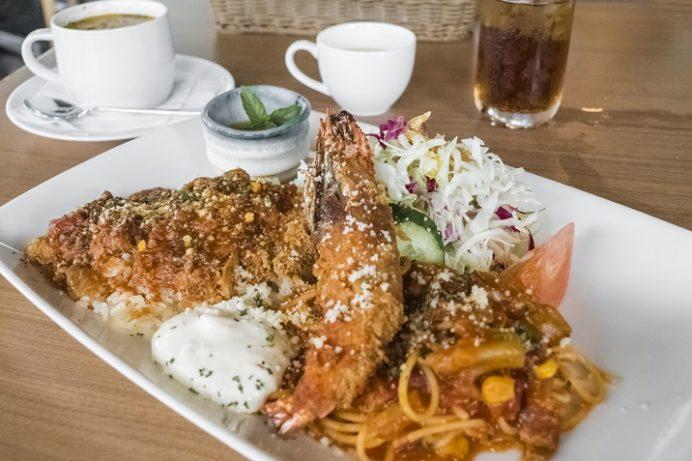 水辺の森のワイナリーレストラン OPENERS(長崎市常磐町)のスペシャルトルコライス