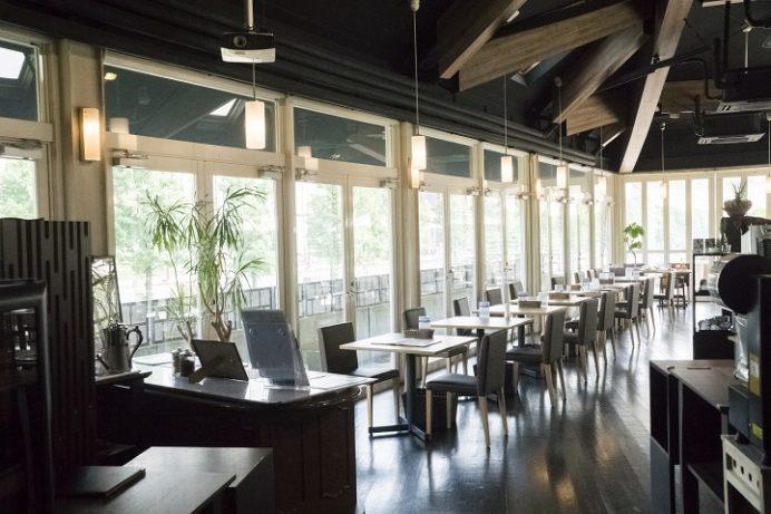 水辺の森のワイナリーレストラン OPENERS(オープナーズ)、〒850-0843 長崎県長崎市常盤町長崎水辺の森公園)
