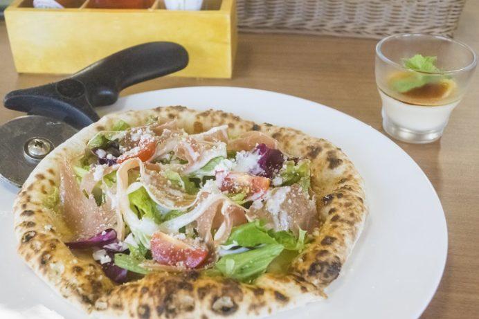 水辺の森のワイナリーレストラン OPENERS(オープナーズ)、長崎県長崎市常盤町長崎水辺の森公園)の生ハムのピザ