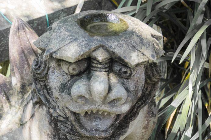 鎮西大社 諏訪神社(長崎市上西山町)の河童狛犬