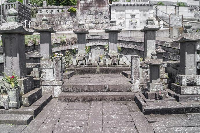 福済寺(長崎市筑後町)、福済寺の唐通事潁川(陳)家墓地 市指定史跡