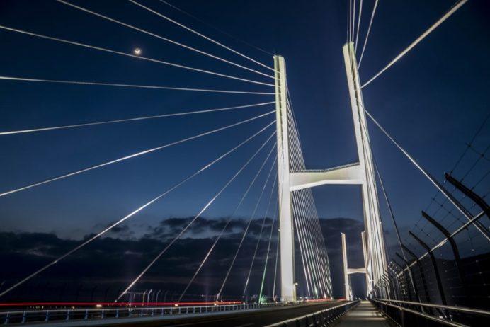 女神大橋(長崎市西泊町)の夜景