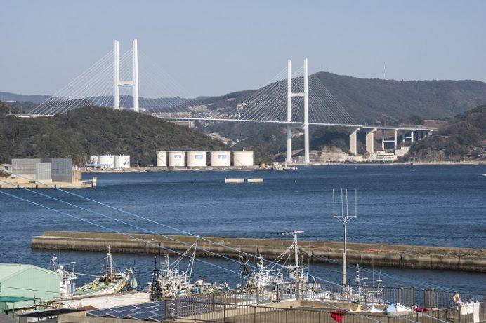 カトリック神ノ島教会(長崎市)の岬のマリア像、ドンク岩、女神大橋