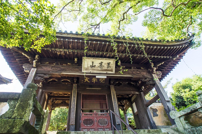 万寿山 聖福寺(長崎市玉園町)、天王殿