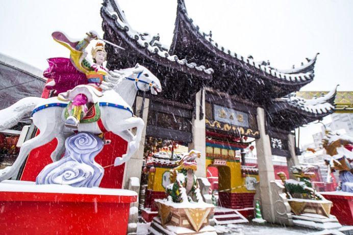 長崎新地中華街、積雪