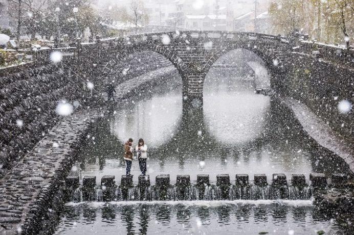 眼鏡橋(長崎市魚の町・中島川石橋群)、雪化粧