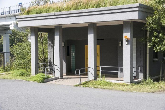 女神大橋(長崎市西泊町)のトイレ