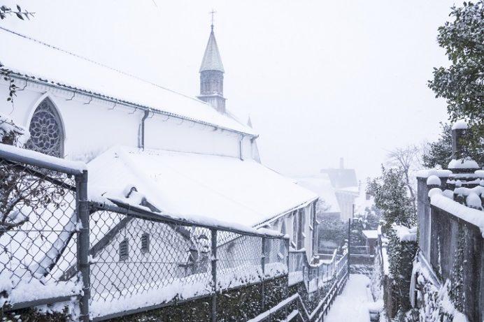 大浦天主堂・祈念坂(長崎市南山手)、世界遺産、国宝の雪化粧