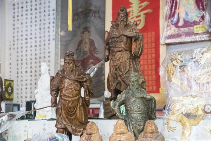 崇福寺(長崎市鍛冶屋町)の売店、関羽像