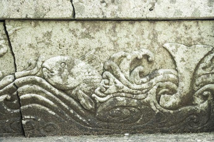 崇福寺(長崎市鍛冶屋町)の階段脇の袖石