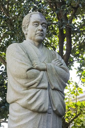 鎮西大社 諏訪神社(長崎市上西山町)、福沢諭吉像