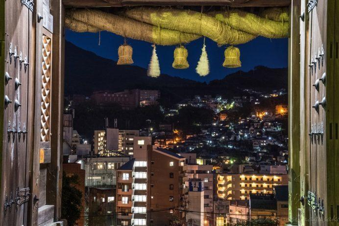 鎮西大社 諏訪神社(長崎市上西山町)からの彦山、新大工の夜景