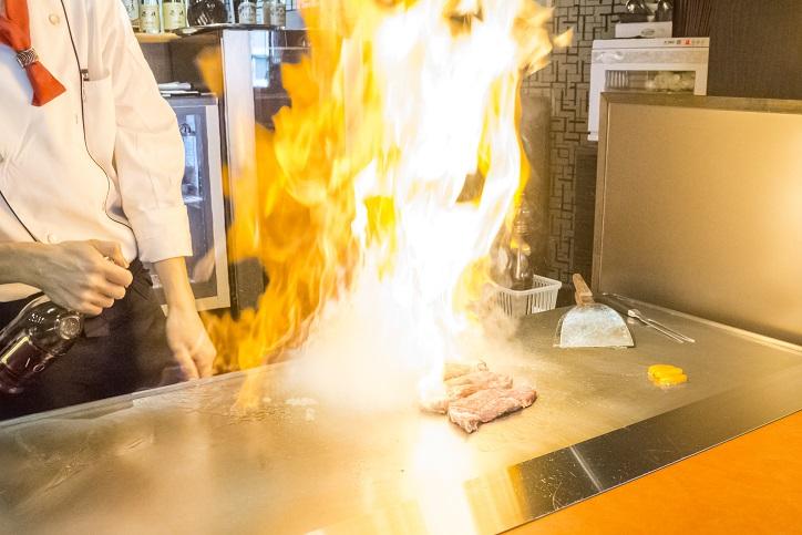 【宿願達成】「鉄板ステーキの店 晢(あき)」を食レポ!