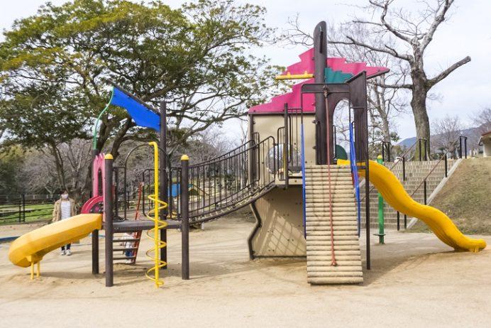 天神公園(佐世保市天神町)の遊具
