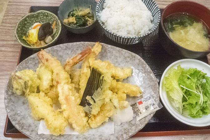 浜康(濱中水産)、長崎市新大工町のカニ天ぷら定食