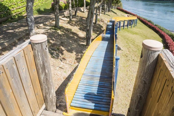 西海橋公園(長崎県西海市・佐世保市針尾)のロングスライダー