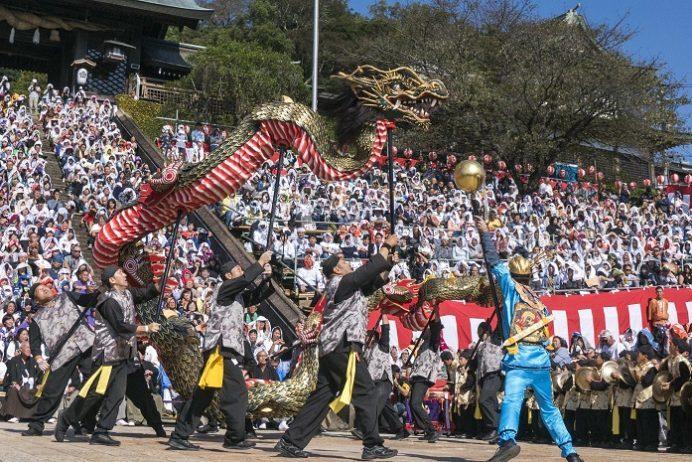 鎮西大社 諏訪神社(長崎市上西山町)の長崎くんち、籠町「龍踊」