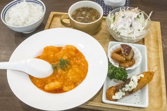 七彩キッチン(長与町嬉里郷)のエビチリ