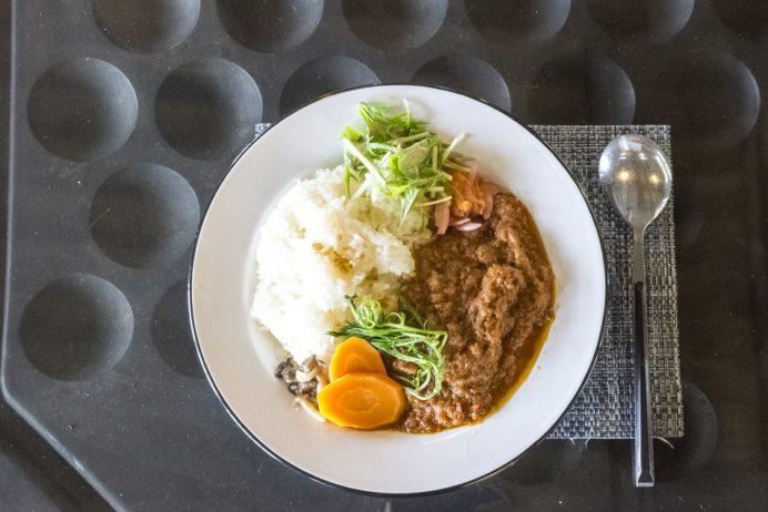 BORDERLESS LOUNGE(カフェ ボーダレスラウンジ)、長与町岡郷のイノシシ肉のスパイスカレー
