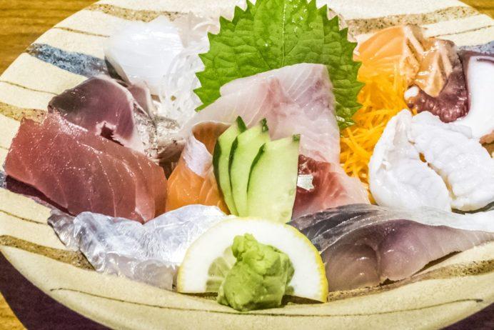 漁人市場とっとっと食堂(島原市湊新地町)の刺身盛り