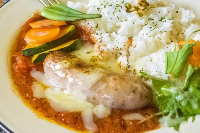 BORDERLESS LOUNGE(カフェ ボーダレスラウンジ)、長与町岡郷の粗びきソーセージのトマト煮