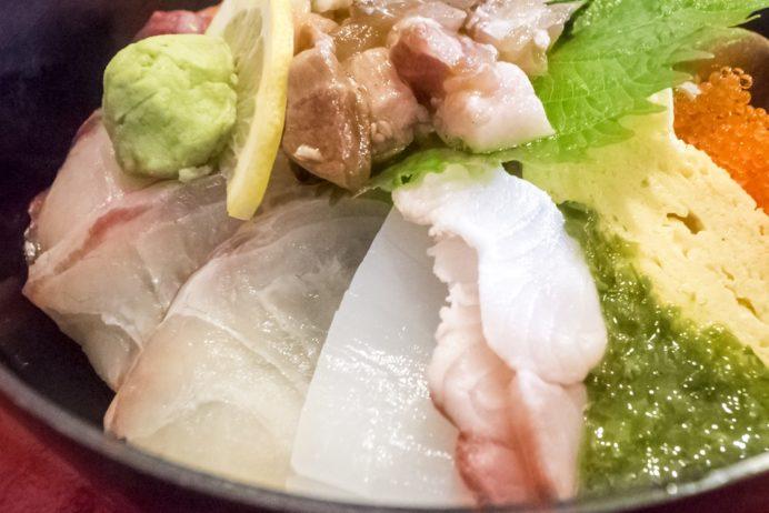 漁人市場とっとっと食堂(島原市湊新地町)の海鮮丼