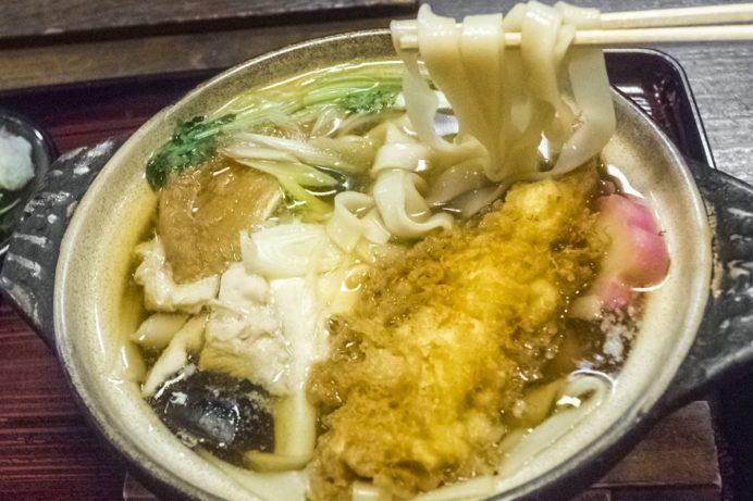 うどんきしめん川瀬 銅座店(長崎市銅座町)の鍋やきうどん