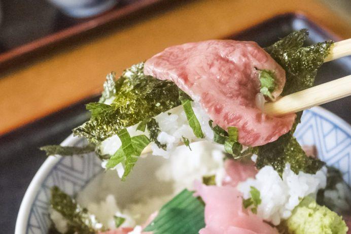 焼肉 音琴(ねごと)東彼杵郡東彼杵町大音琴郷の牛トロ丼