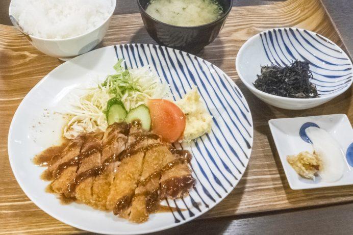 バラモン食堂(長崎市万屋町)、五島うどん居酒屋の日替わり定食