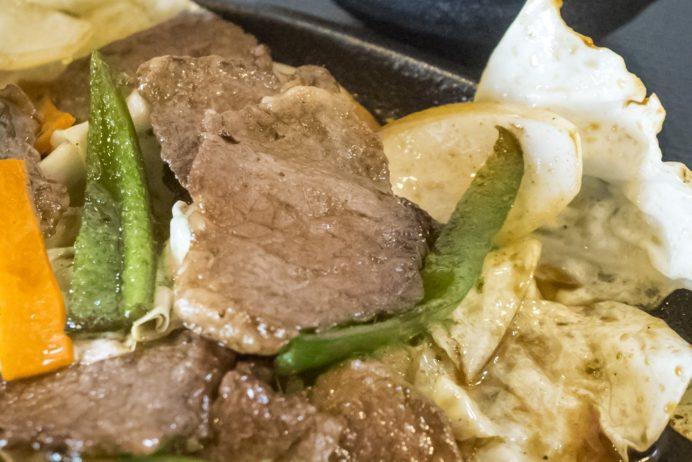 お肉工房 梅桜亭(島原市中安徳町丁)、焼肉店の鉄板焼肉ランチ