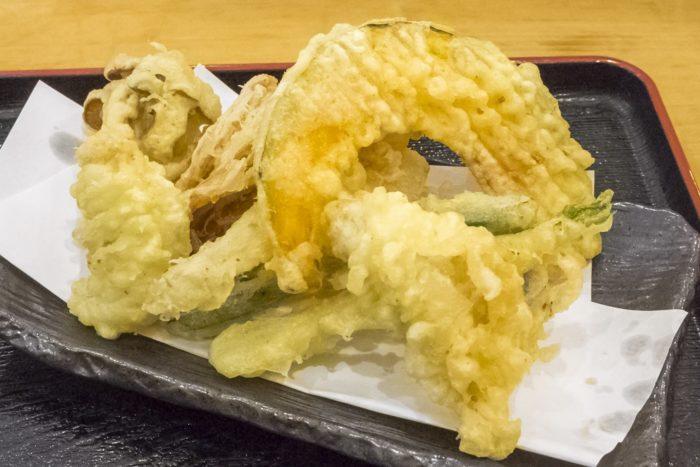 漁師飯なかざき(長崎市茂木町)の天ぷらうどんセット
