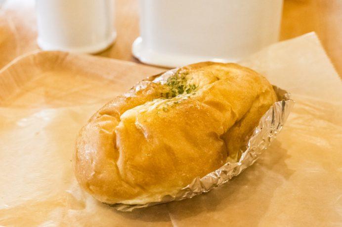 かせやカフェ(雲仙市小浜町雲仙地獄)、パン屋のちくわパン