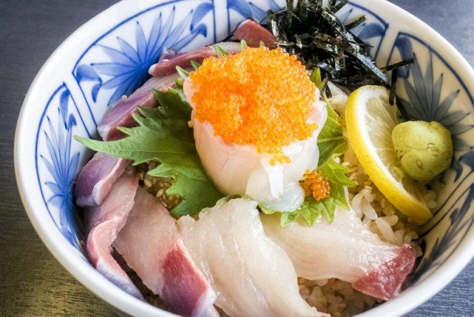 割烹旅館呼子(西海市西海町)、ひかり丼(さいかい丼・西海丼)